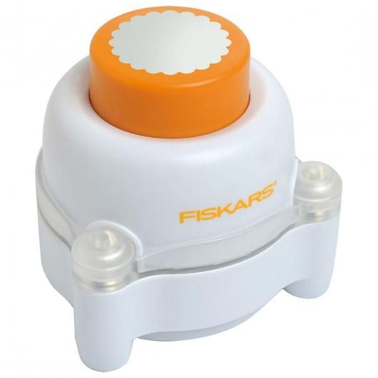Everywhere window punch - Circulo Festoneado Fiskars